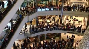 mall crowds